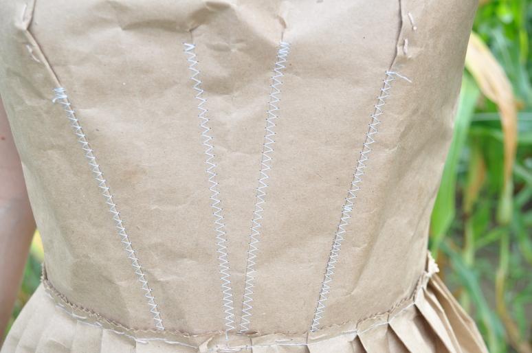 tights, paper dress 098