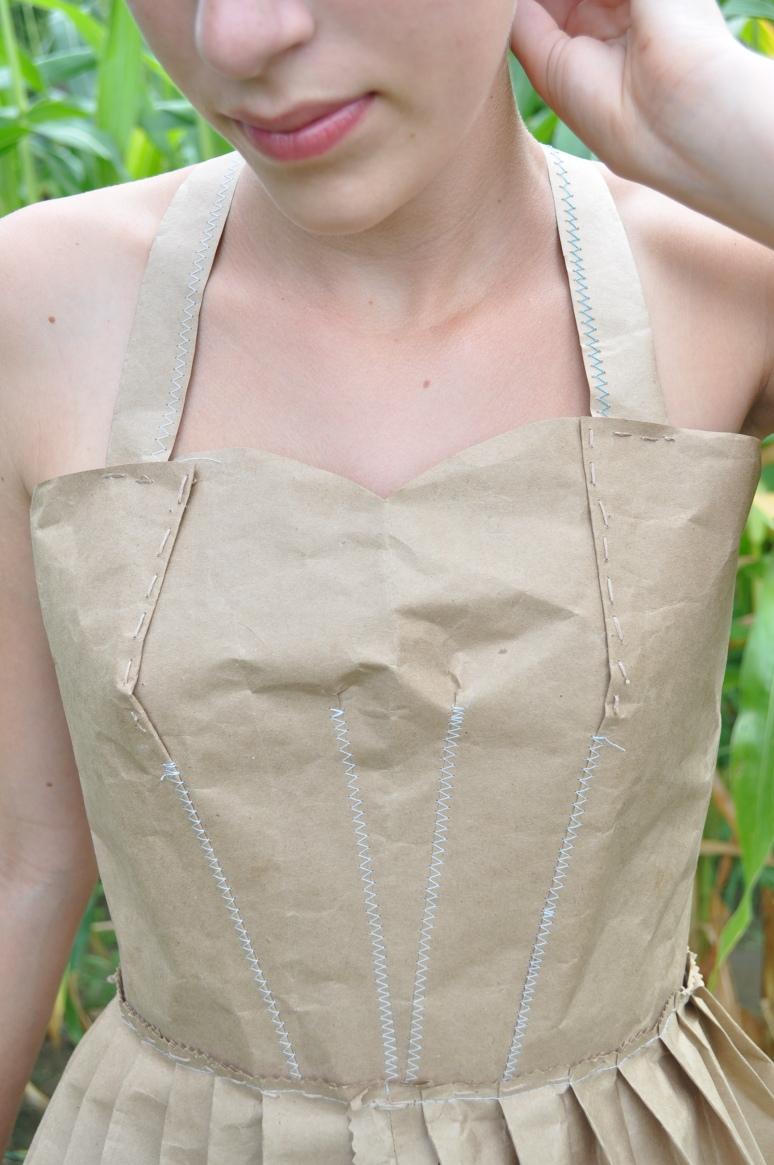 tights, paper dress 099